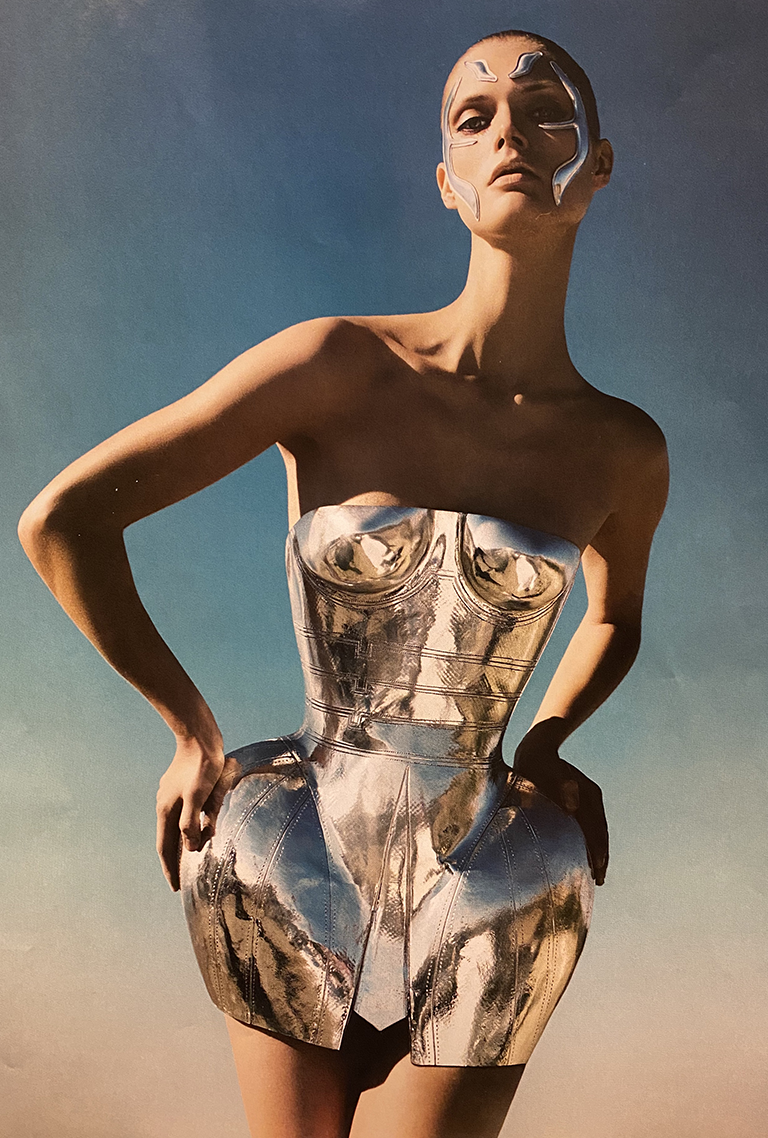 Hubert Barrere corset pour Dolce Gabbana